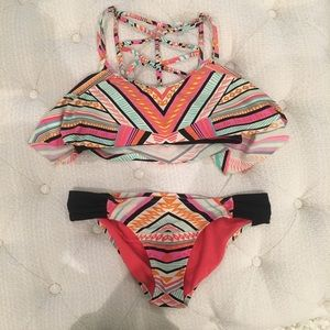 Other - geometric print bikini set!